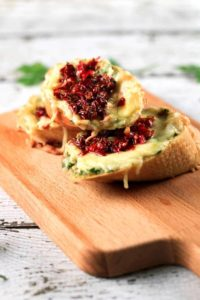 Sundried Tomatoes and Garlic Butter Bruschettas