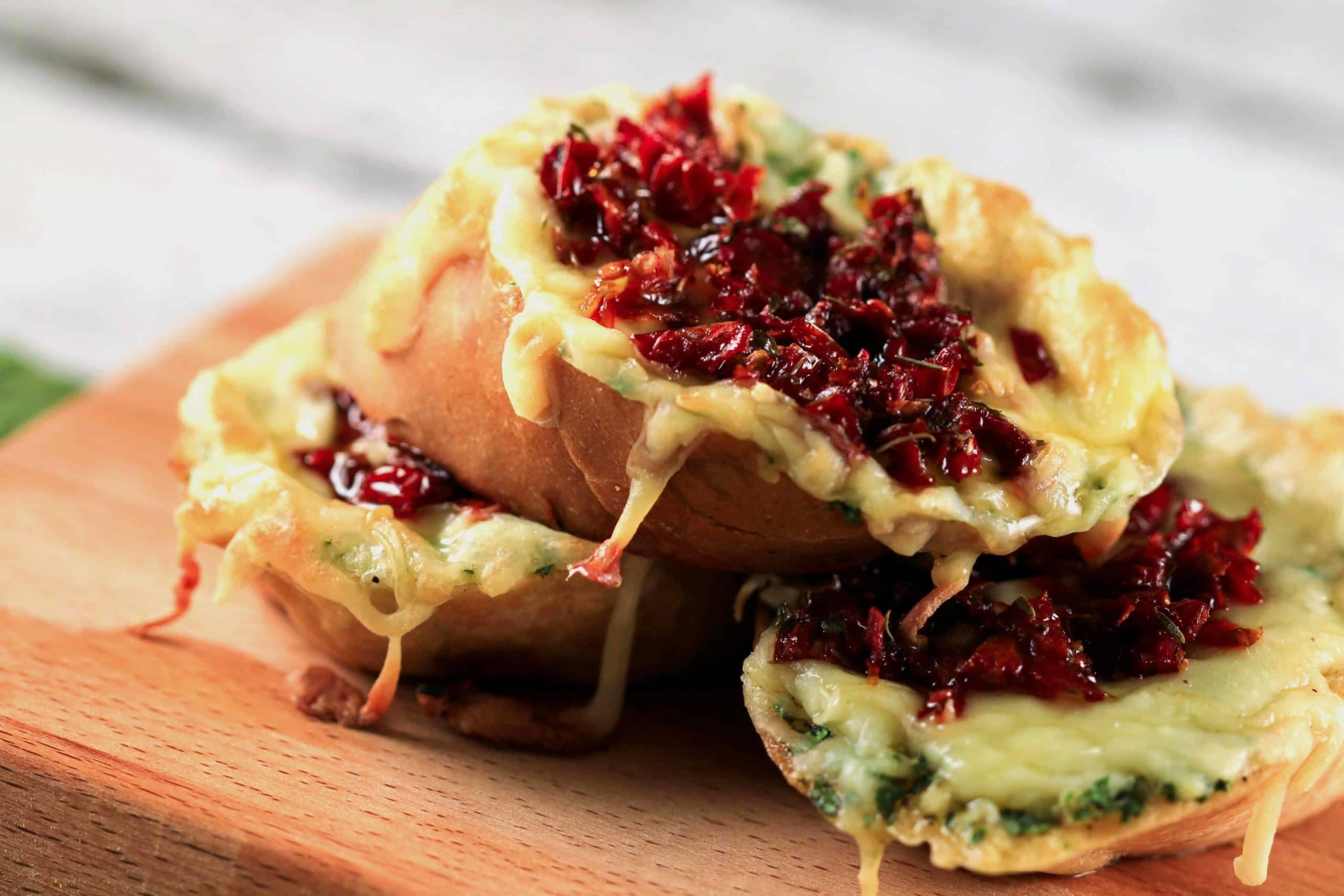 Sundried Tomatoes and Garlic Butter Bruschetta | ScrambledChefs.com