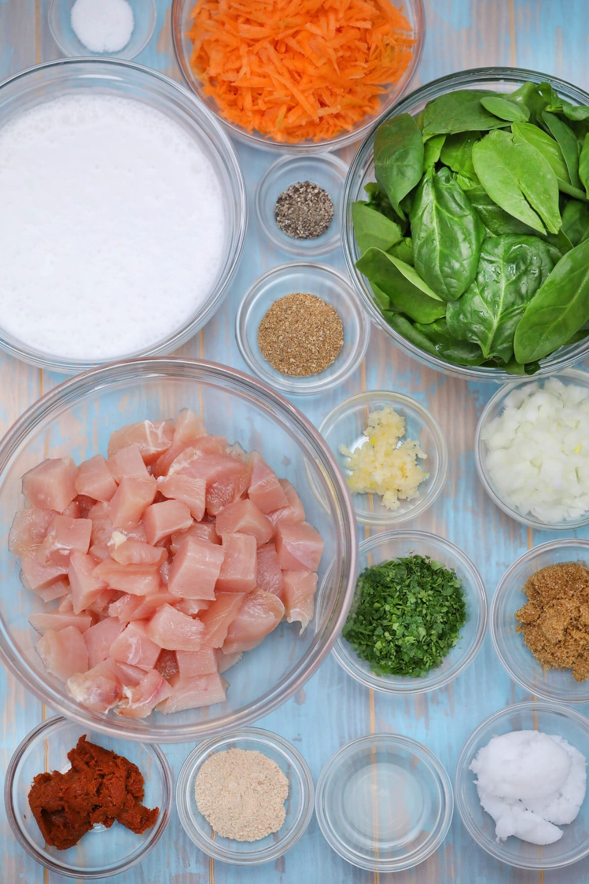 Ingredients for making thai chicken coconut curry