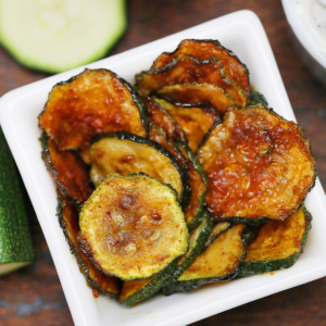 White bowl of zucchini chips
