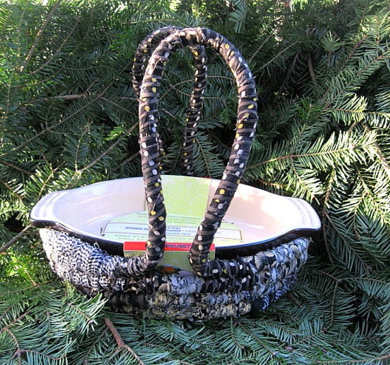 SHEPHERD'S PIE LeCreuset Casserole DiSH and hand coiled BASKET tote SeT
