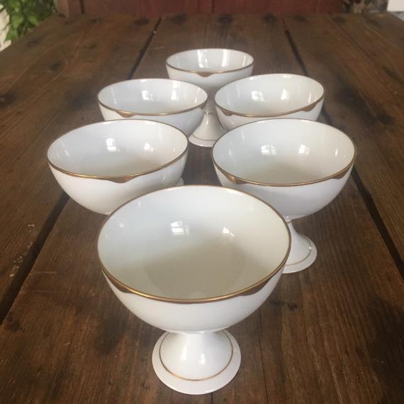 Vintage Set Of Dessert Cups Bowls Pedestal Footed White Gold Elegant