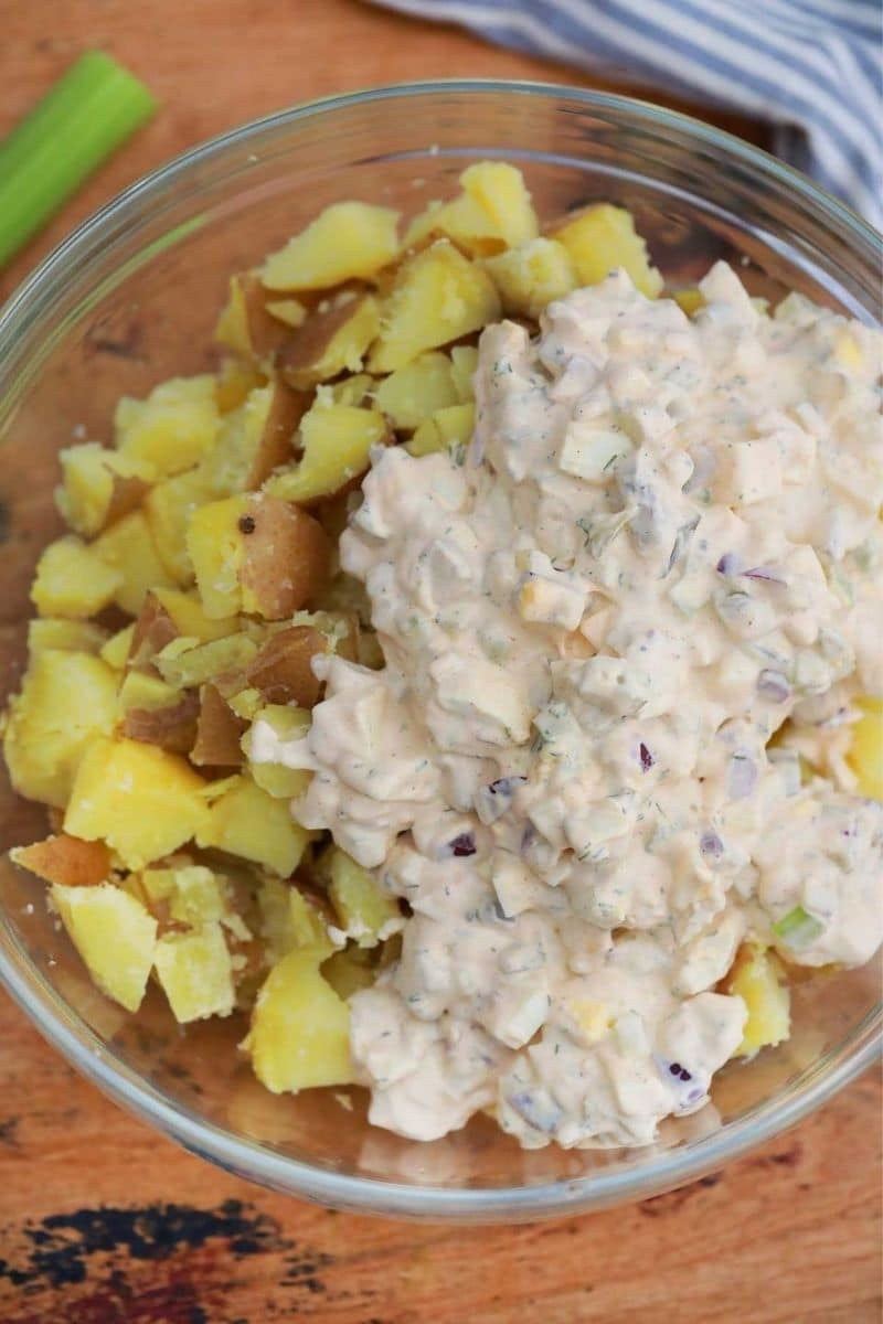 Potatoes with salad dressing