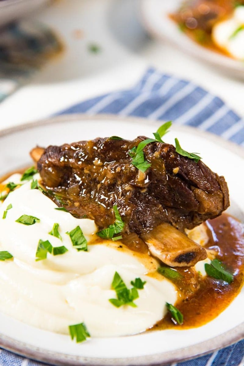 Short ribs on mashed potato