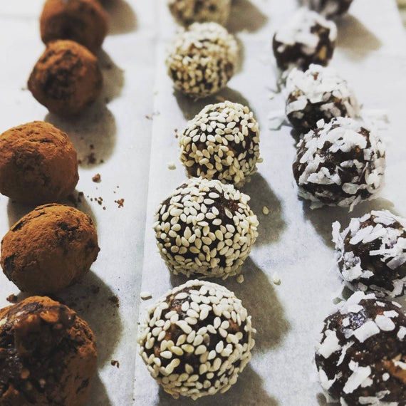 Healthy energy balls with dates and nuts | Etsy