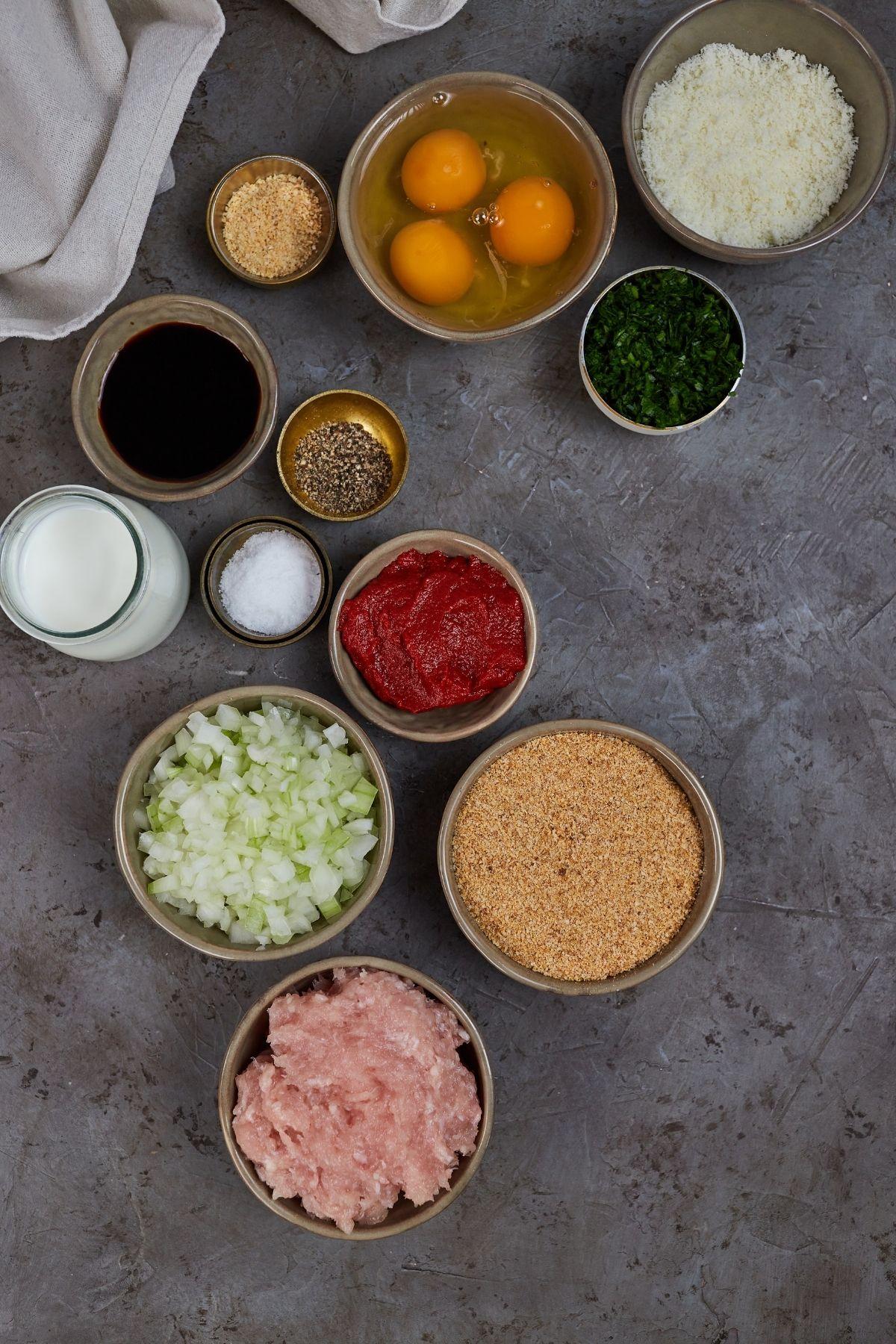 Ingredients for chicken meatloaf