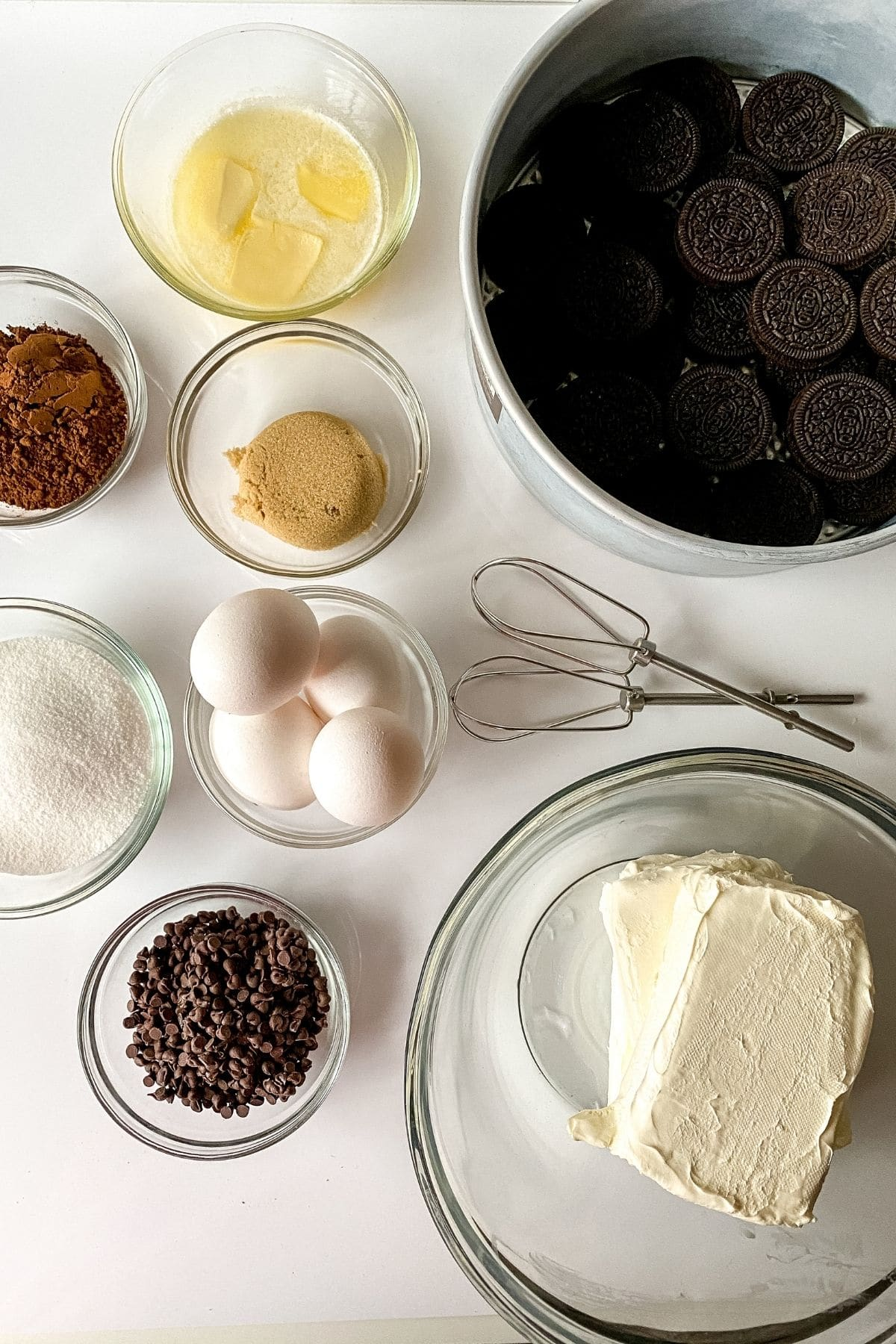 Chocolate cheesecake ingredients