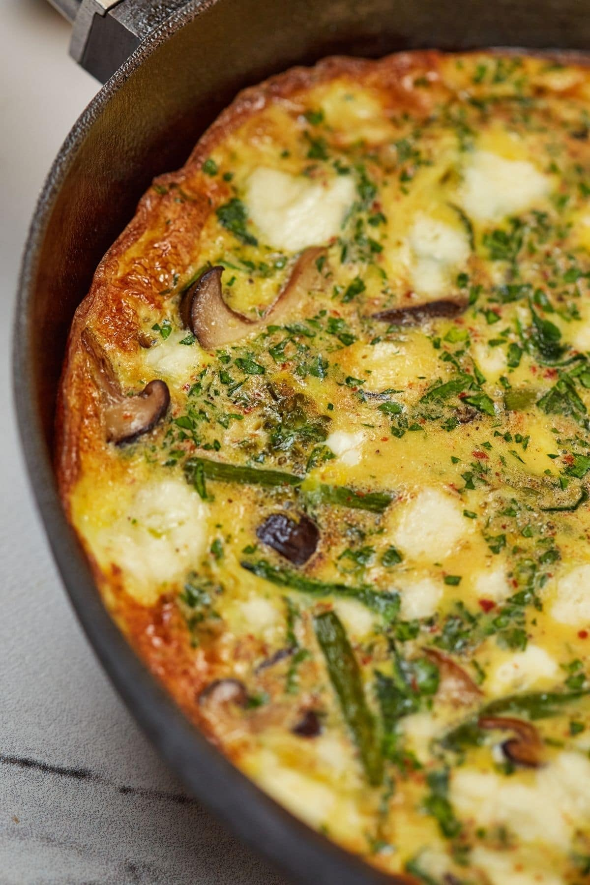 Vegetable frittata in skillet