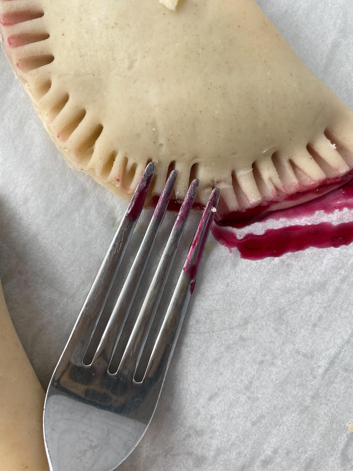 Crimping hand pies edges