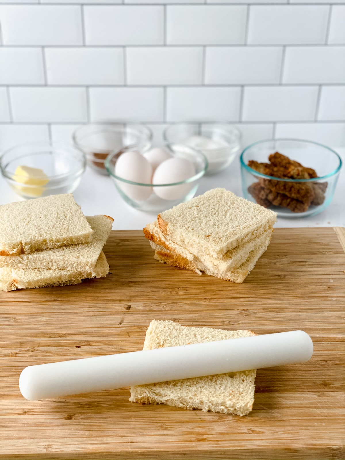 Rolling bread slices