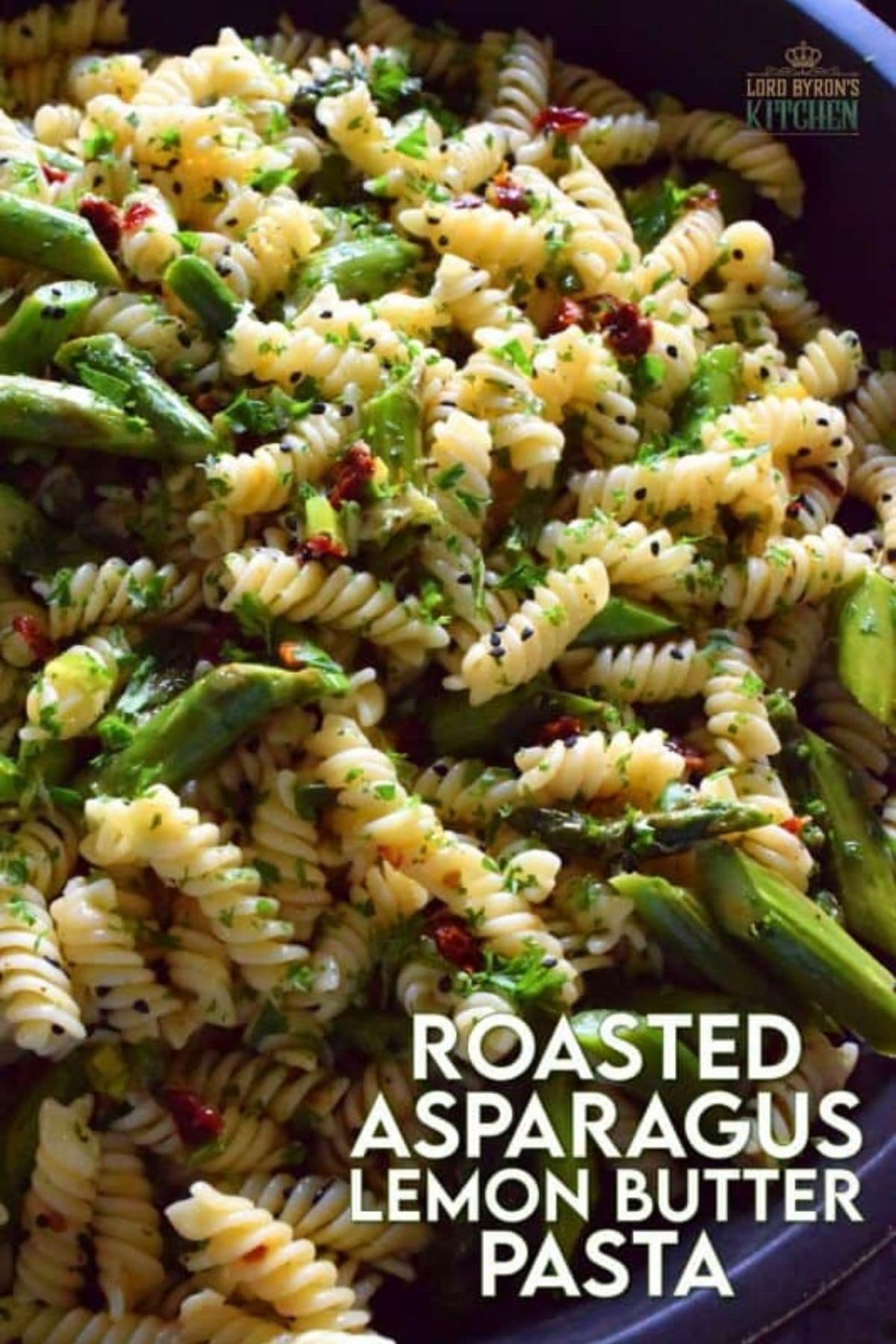 Asparagus with spiral pasta in bowl