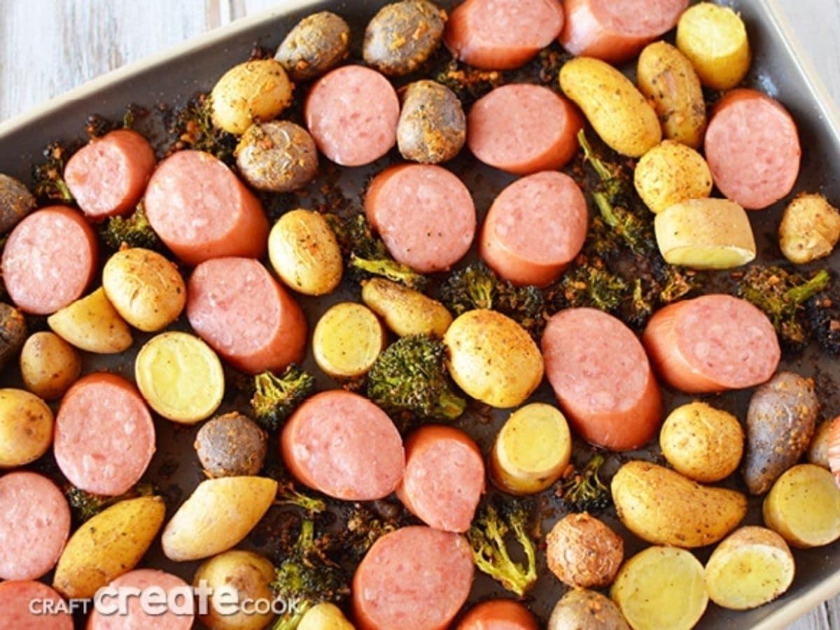Sausage potatoe and broccoli on sheet pan