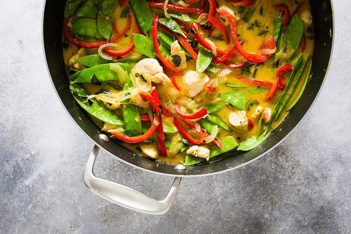 Chicken Snow Pea Green Curry