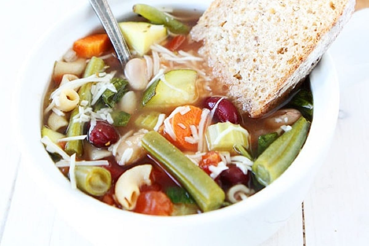 Minestrone Soup with bread on the side
