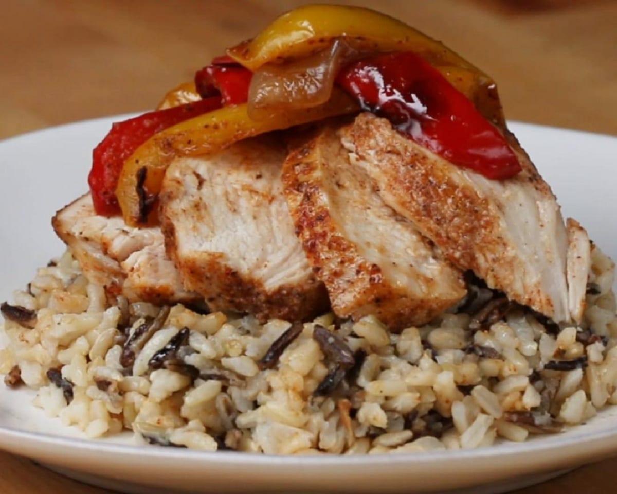 One-pan Chicken Fajita Rice Bowl