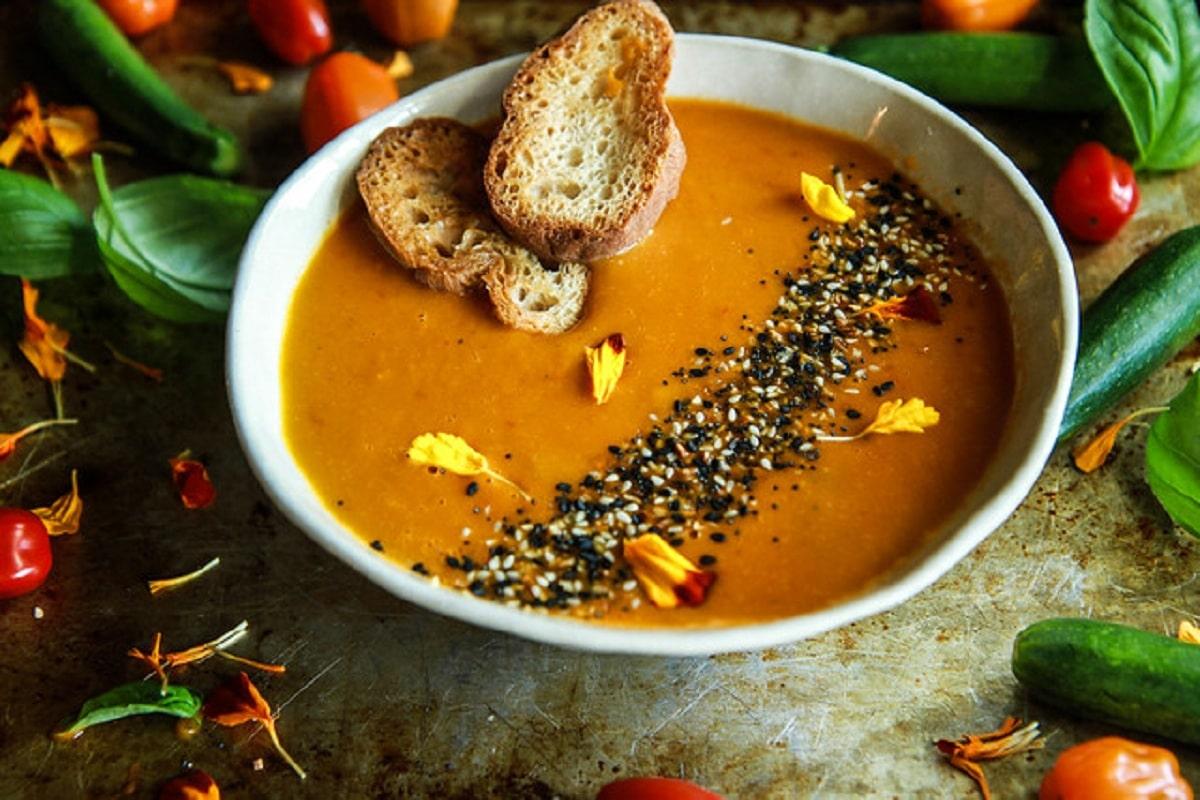 Vegan Tomato Zucchini Soup