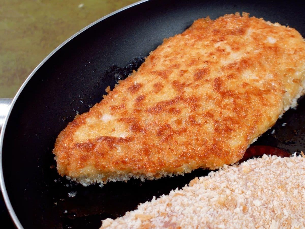 Fried chicken in skillet